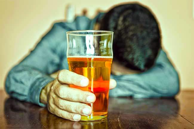 Que hacer si el marido cada día bebe el litro de la cerveza